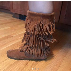 boots minnetonka boots size 9